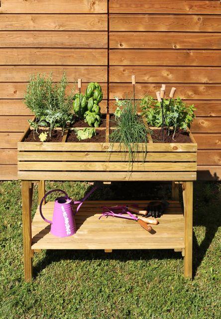 KÜB – Planteringslåda på ben med hylla